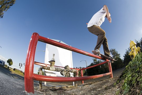 mike-salsberg-backsmith-over-gap